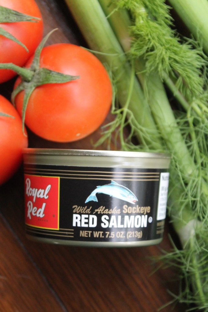 Ingredientes para hacer Tomates rellenos de ensalada de salmón