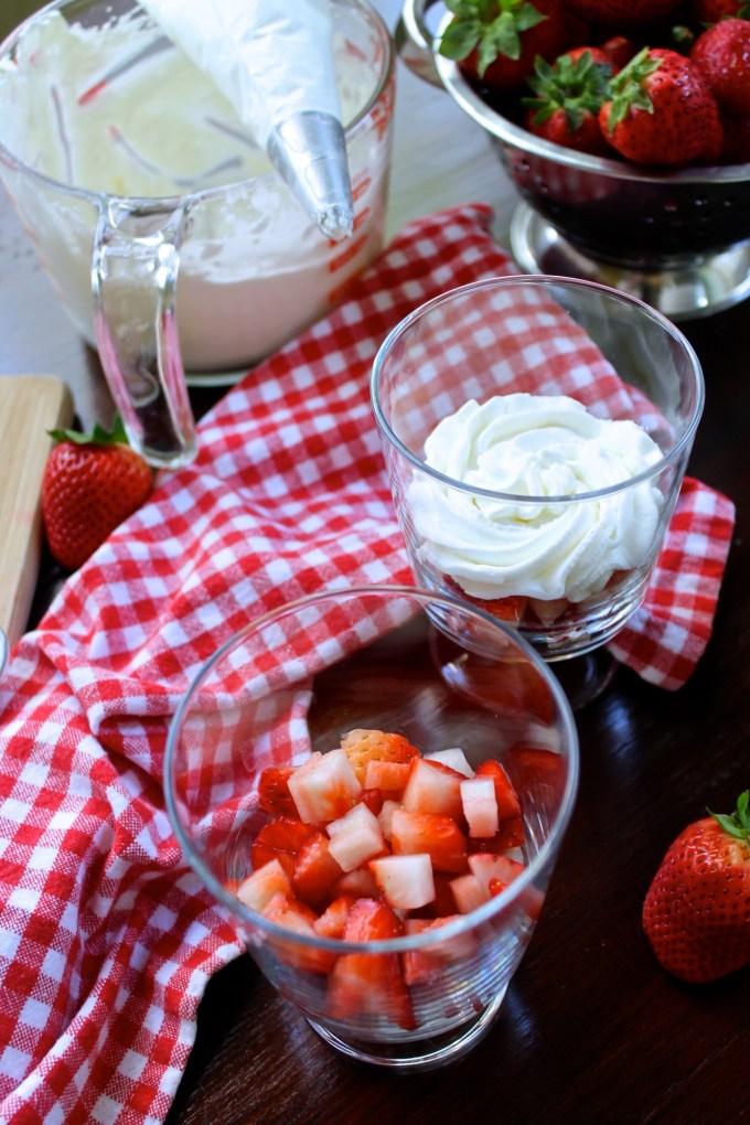 Fresas con espuma de queso de cabra - SAVOIR FAIRE by enrilemoine
