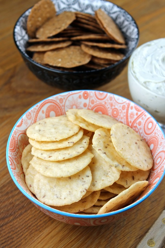 Gorgonzola Spread with Crackers