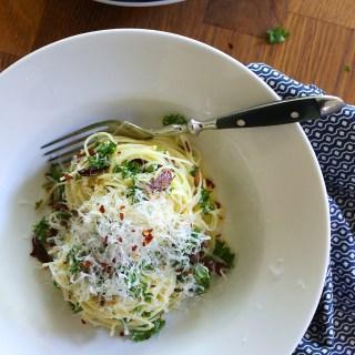 Pasta aglio e olio {Garlic & Olive Oil}