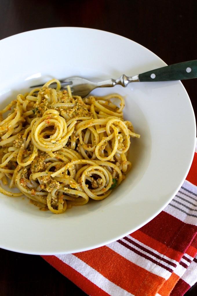 Linguine with pesto alla Trapanese