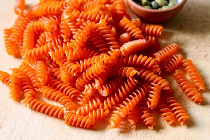 Red lentil rotini by enrilemoine