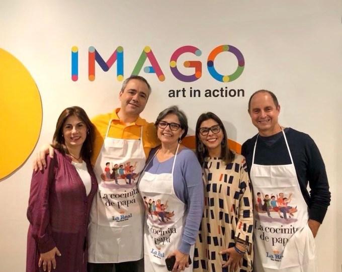 Con equipo de Imago en la presentación de de La cocinita de papá en Miami.