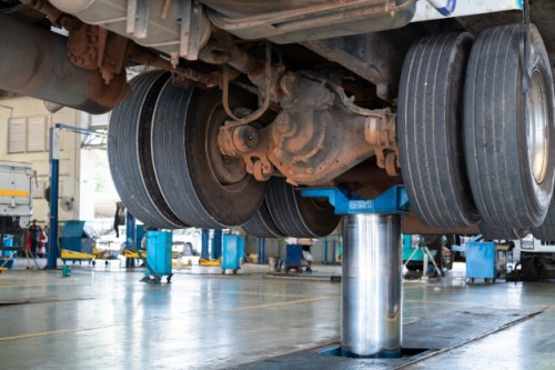 mantenimiento-camiones_77569-208