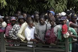 Haitianos atemorizados  por deportaciones masivas en RD