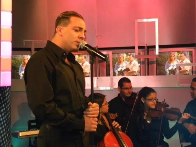 Cristian Castro presentó anoche el tributo  a José José en Chévere Nights