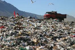 Medio Ambiente cierra vertedero por contaminar río San Juan