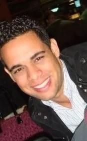 """Albert Mena presentador de alfombra roja de los """"Premios Casandra"""""""