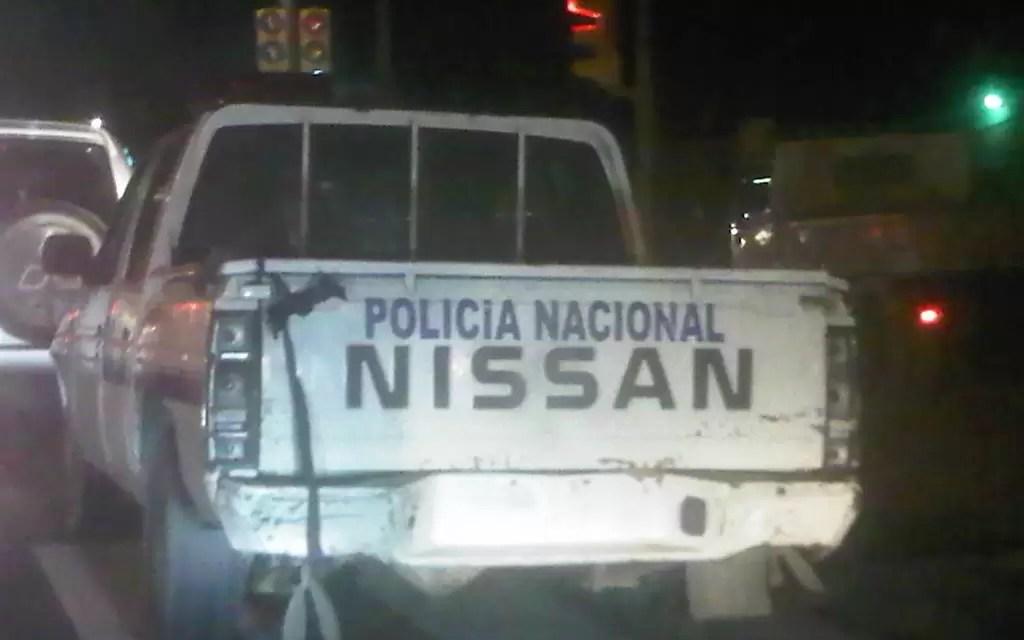 Observen detenidamente local: Esto es una camioneta de la Policía Nacional