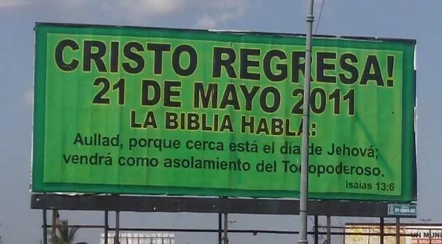 Qué piensa usted al leer estos letreros en la ciudad de Santo Domingo?