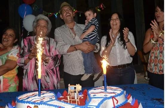 Fernando Villalona celebrando sus 56 años
