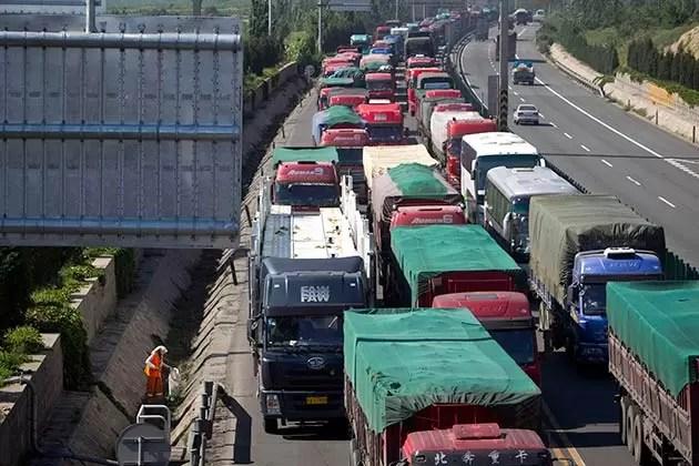 Proyectos de leyes pretenden reordenar el transporte del país