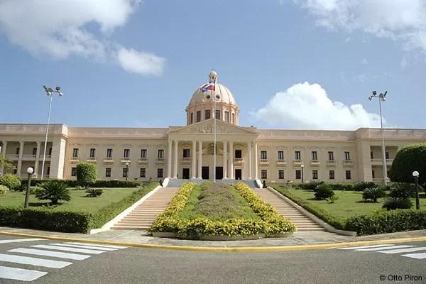 El Gobierno informa que invirtió RD$415 millones en las plazas agropecuarias