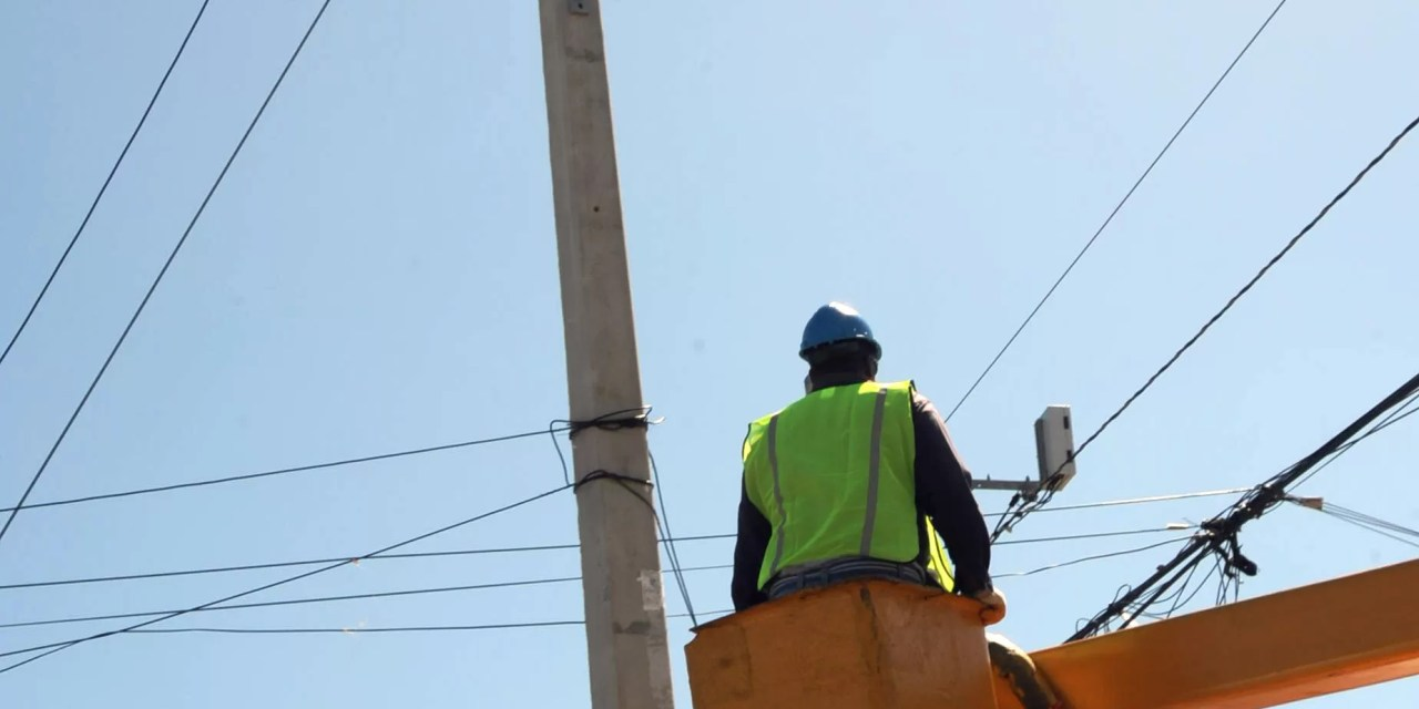 EDESUR lleva circuito 24 horas de luz a Las Matas de Farfán