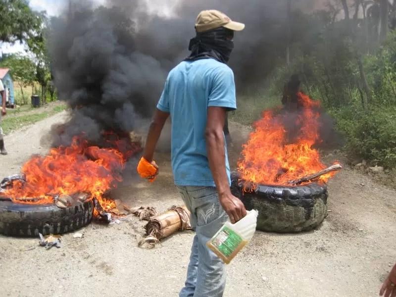 Inicia paro de 48 horas en Salcedo