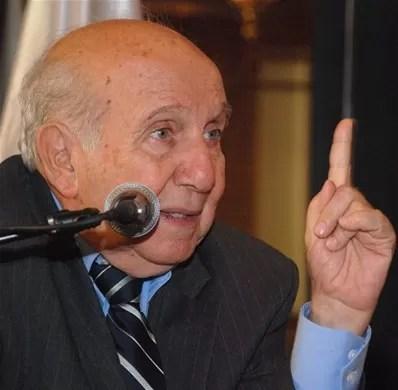 Vincho: EE.UU. no debe mandar lista de posibles cómplices de F. Agosto, sino pedir sus extradiciones
