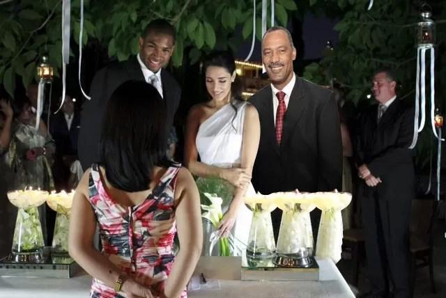 Miren quien fue el padrino de la boda de Amelia Vega