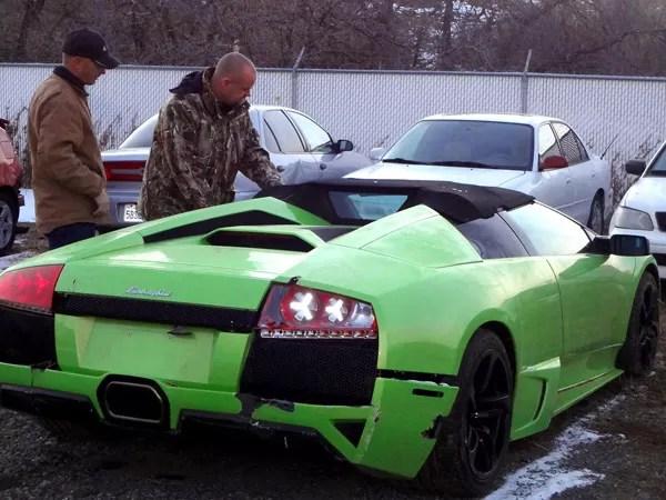 Se ganó un carro valorado en  300 mil dólares y lo chocó a las 6 horas