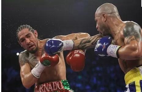 Cotto venga derrota ante Margarito y retiene corona superwelter AMB