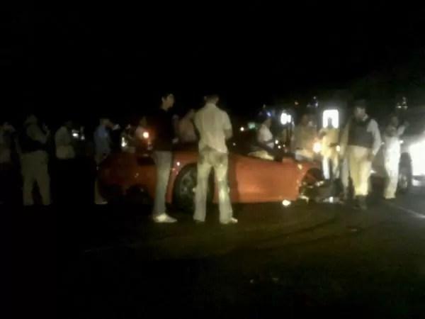 Imagen del Ferrari que chochó anoche cerca de Acrópolis