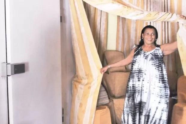 Mujer se gana la vida administrando un cuarto frío para guardar cadáveres