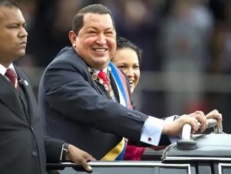 """Chávez fue operado en Cuba y """"se encuentra en buena condición"""""""