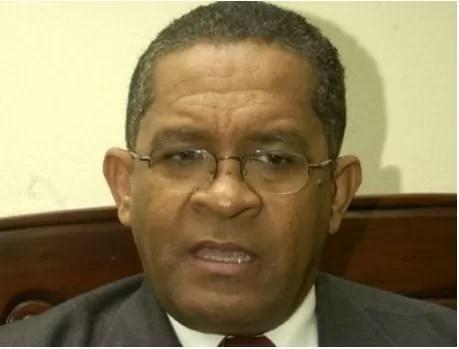 Rector niega que la UASD esté quebrada