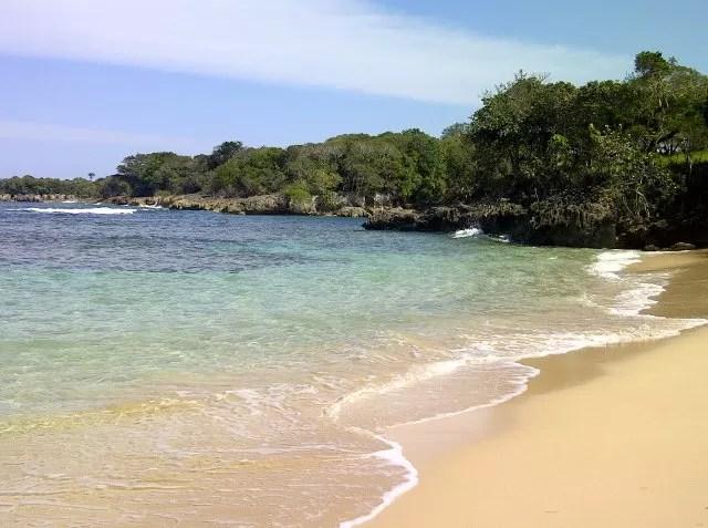 Yo amo mi país: Fotos de La playa en Guzmancito en  Puerto Plata