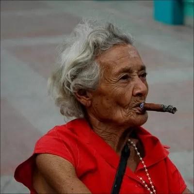 Fumar puede provocarle ceguera