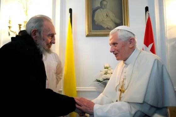 ¿Qué hace un papa?, pregunta de Fidel Castro a Benedicto XVI