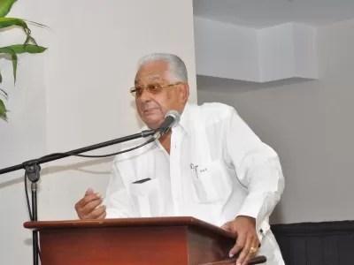 Euclides Gutiérrez  dice llevará denuncia sobre fallos en libros de Historia ante el CP-PLD