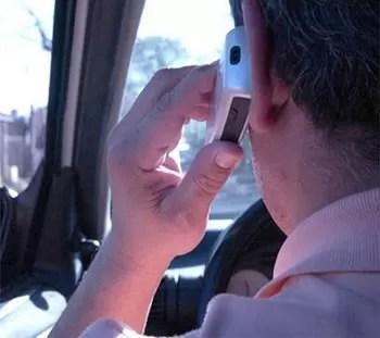 Los celulares causan efectos biológicos pero sin impacto comprobado para la salud