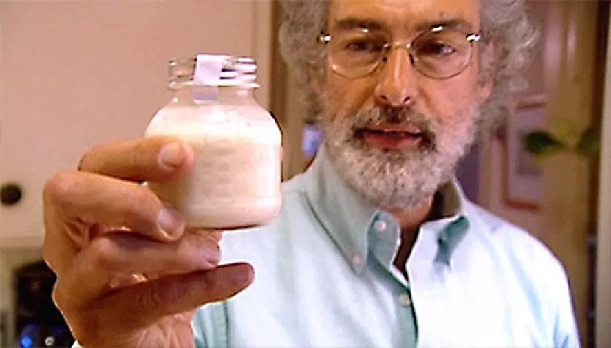 La leche materna podría matar el virus del Sida
