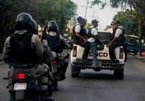 DNCD expulsa 5 agentes por extorsionar dos personas con $600 mil pesos