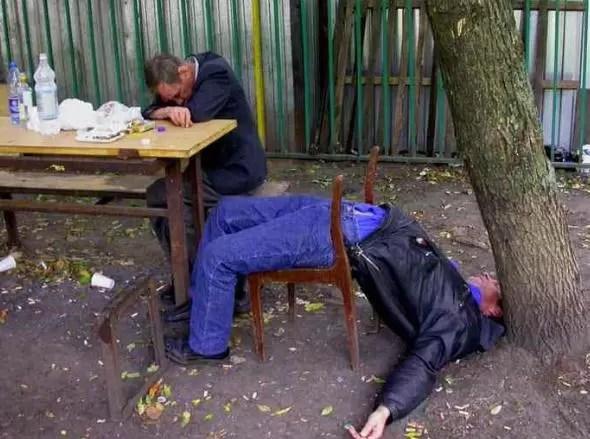 Ellas se vuelven cariñosas con el alcohol y ellos, infieles