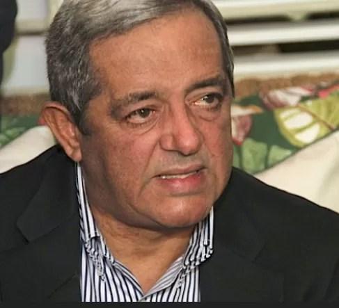 """Hatuey De Camps dice que Leonel Fernández está """"sangrando por la herida"""""""