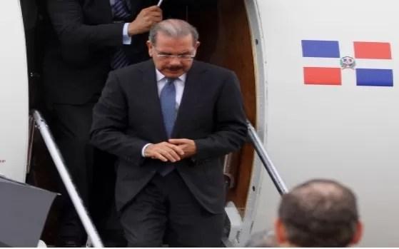 Danilo Medina llega a Venezuela : 7ma Cumbre de Petrocaribe