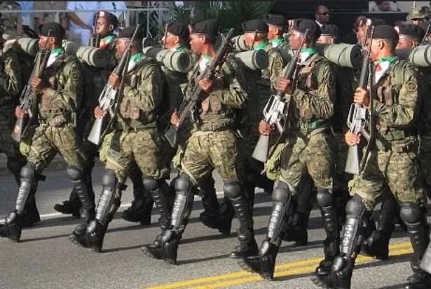 1,200 militares van  a patrullar junto a los policías en Navidad
