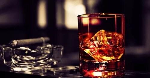 whisky cigarros