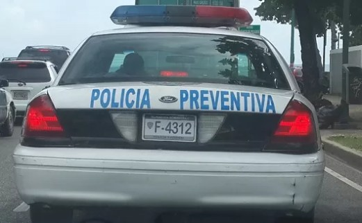 Policia patrulla