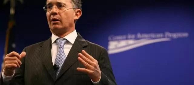 Álvaro Uribe aseguró que Santos es el único ex ministro que debe estar preso