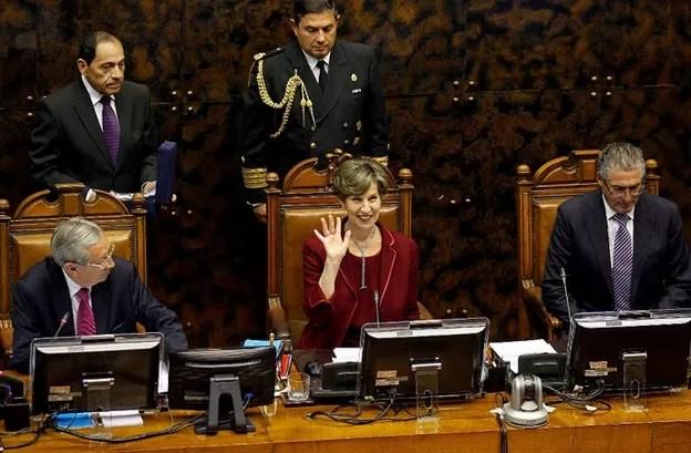 Hija de Salvador Allende, primera mujer que asume como presidenta del Senado en Chile