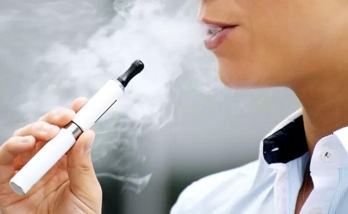 Cigarrillos electrónicos prohibidos en lugares públicos en Nueva York