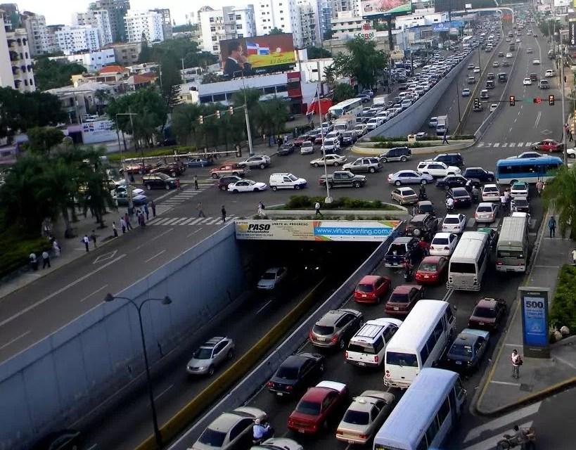 Cerrarán un carril de la avenida 27 de febrero por colocación de tuberías