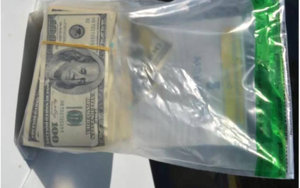 Menor robó 3,500 dólares de un vehículo en Nagua