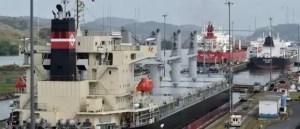 barco canal panama