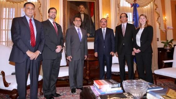 Luis E. Arreaga, Danilo Medina y G. Montalvo