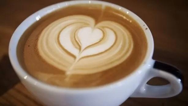 Los que toman café tienen menos probabilidad de morir de algunos males