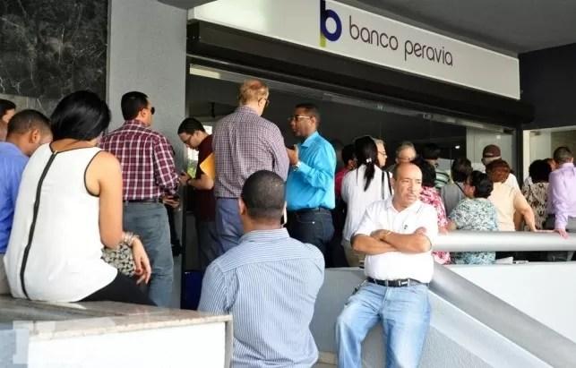 Denuncian privilegios para entregar dinero del quebrado Banco Peravia