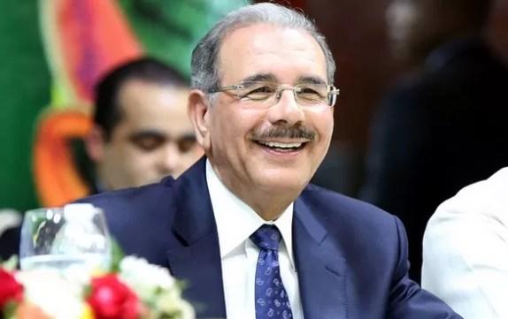 Danilo Medina sonriendo